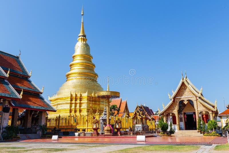 Pagode in Wat Phra That Hariphunchai bij Lamphun-het noorden van Thailand royalty-vrije stock foto