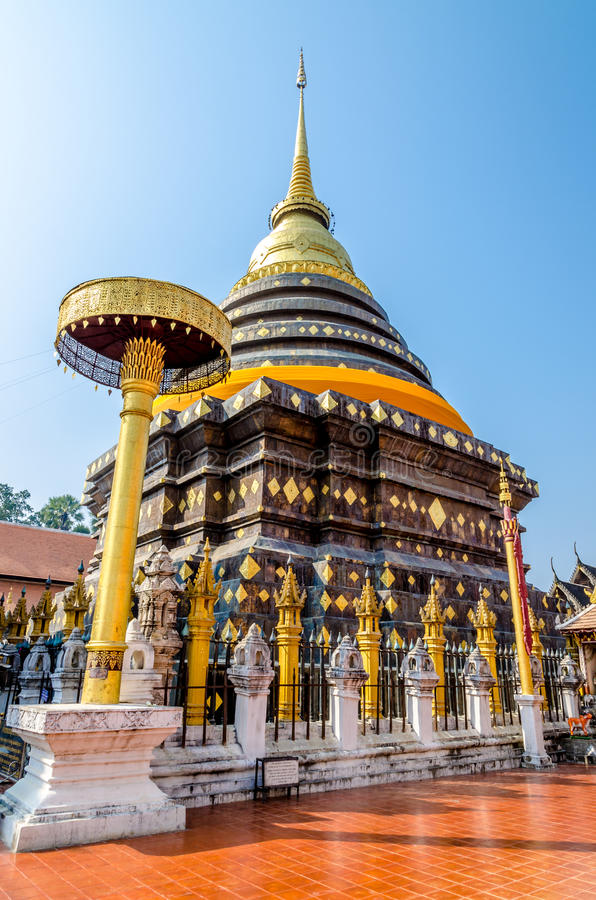 Pagode in Wat Pra That Lampang Luang stock afbeelding