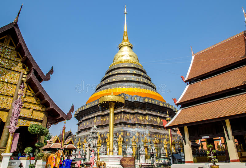 Pagode in Wat Pra That Lampang Luang stock afbeeldingen