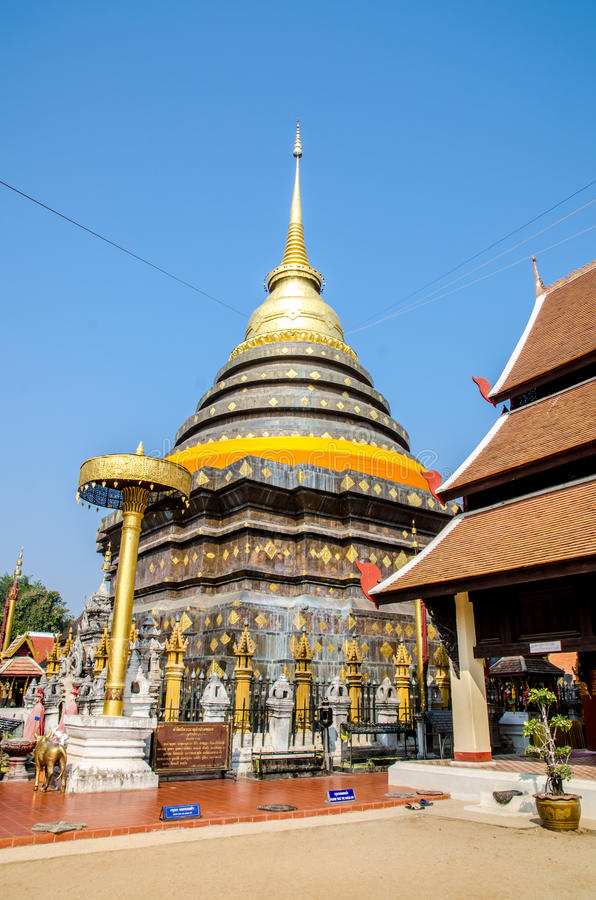 Pagode in Wat Pra That Lampang Luang stock foto
