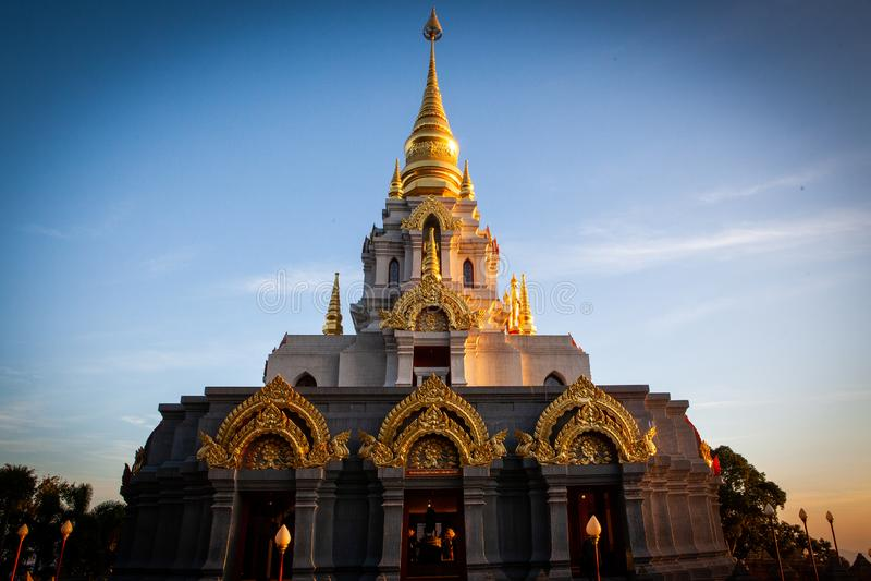 Pagode Wat Santikhiri de Sinakarintra Stit Mahasantikhiri em Doi Mae Salong, Chiang Rai Province, Tailândia do norte fotografia de stock