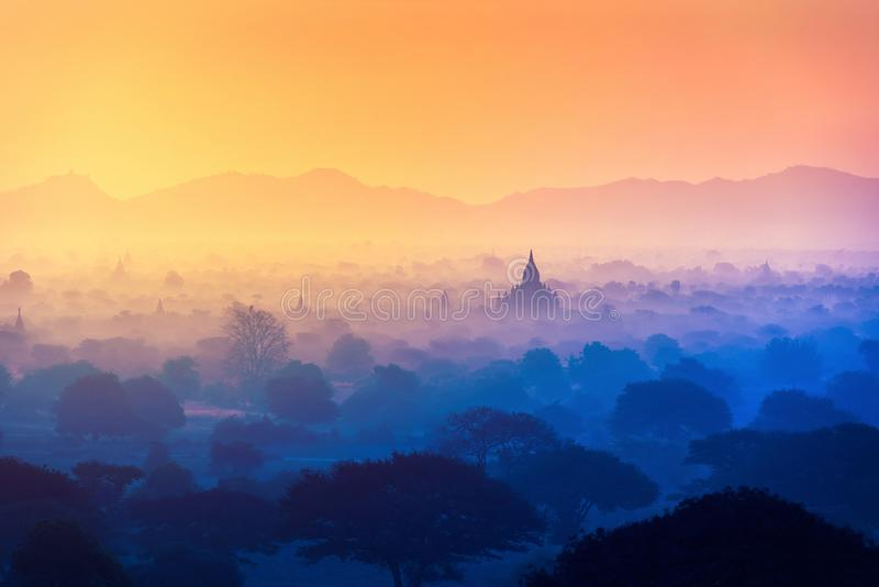Pagodegebied met zonlicht in Bagan, Myanmar royalty-vrije stock afbeelding