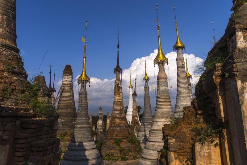 Pagoden auf Myanmar lizenzfreie stockfotografie