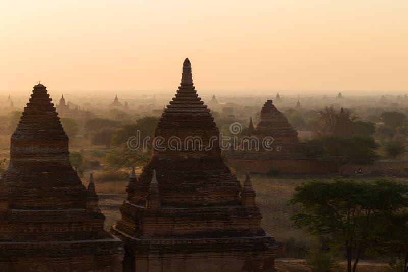 Download Pagodes Em Bagan No Nascer Do Sol Imagem de Stock - Imagem de destino, velho: 107529613