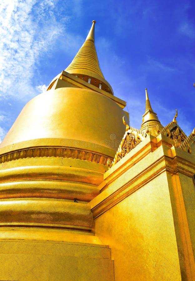 Pagodowy złoto przy świątynią Szmaragdowy Buddha Bangkok w Bangkok, Tajlandia (Wat Phra Kaew,) fotografia royalty free