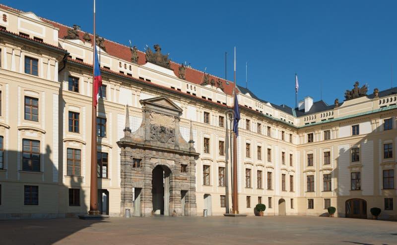 Pague: Erster Hof des Prag-Schlosses, Matthias Gate lizenzfreies stockbild