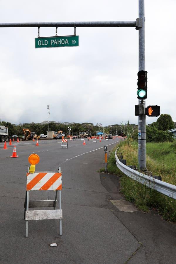 Pahoa, Havaí, Estados Unidos, o 5 de junho de 2018: Devido a uma erupção vulcânica da estrada fechado de Kilauea do vulcão em Pah fotografia de stock
