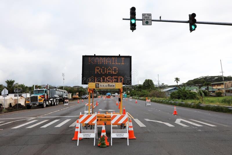 Pahoa, Hawaii, Estados Unidos, el 5 de junio de 2018: Debido a una erupción volcánica del volcán Kilauea cerró el camino en Pahoa fotos de archivo