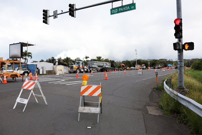 Pahoa, Hawaii, Estados Unidos, el 5 de junio de 2018: Debido a una erupción volcánica del volcán Kilauea cerró el camino en Pahoa fotografía de archivo libre de regalías