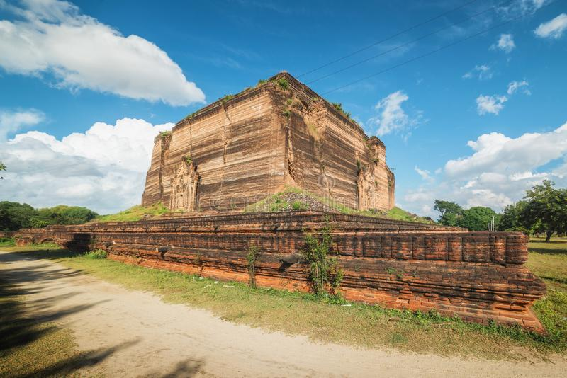 Pahtodawgyi Pagoda, Mingun, not far from Mandalay, Myanmar. Pahtodawgyi Pagoda is an incomplete stupa in Mingun on the west side of the Irrawaddy River royalty free stock photos