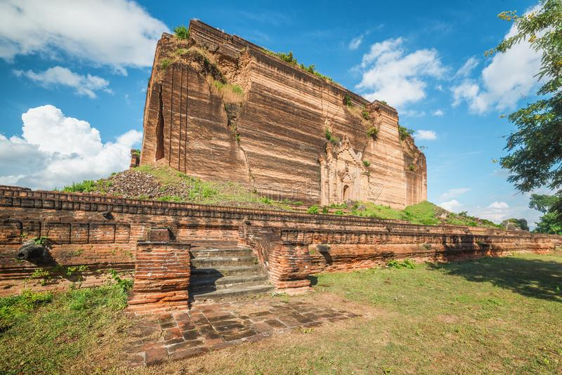Pahtodawgyi Pagoda, Mingun, not far from Mandalay, Myanmar. Pahtodawgyi Pagoda is an incomplete stupa in Mingun on the west side of the Irrawaddy River stock photo