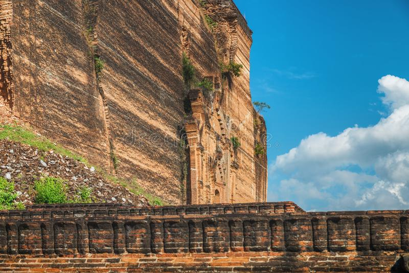 Pahtodawgyi Pagoda, Mingun, not far from Mandalay, Myanmar. Pahtodawgyi Pagoda is an incomplete stupa in Mingun on the west side of the Irrawaddy River royalty free stock images