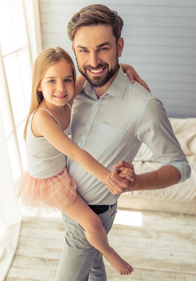 Pai e filha fotos de stock