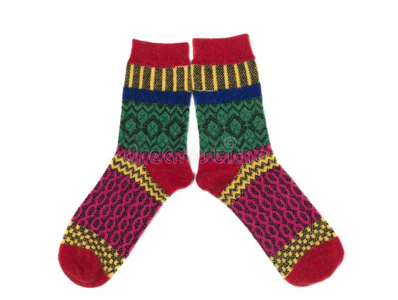 Paia dei calzini a strisce colorati, isolato fotografie stock libere da diritti