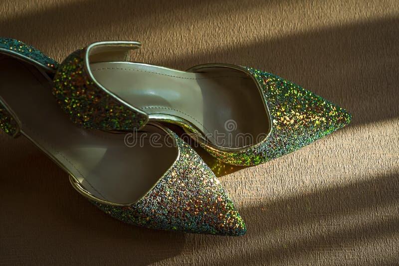 Paia delle scarpe delle donne immagini stock