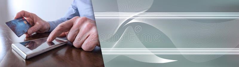 Paiement en ligne avec un smartphone Drapeau panoramique image libre de droits