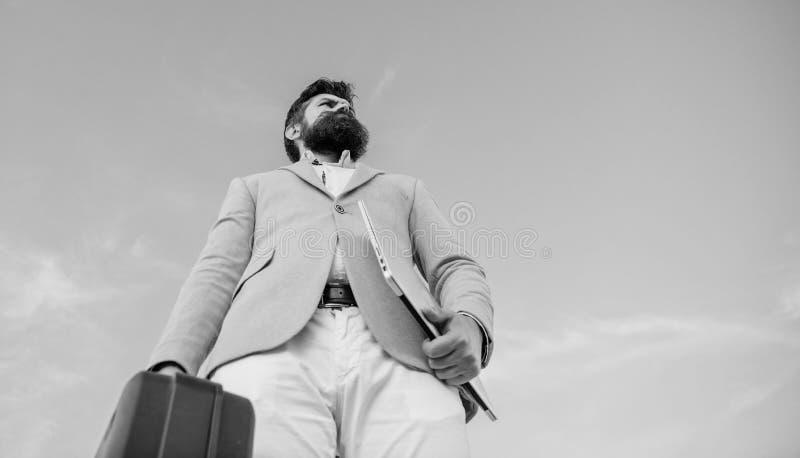 Paiement illicite d'offre d'entrepreneur Affaires ill?gales d'affaire Serviette barbue de prise de visage de hippie avec le paiem images stock
