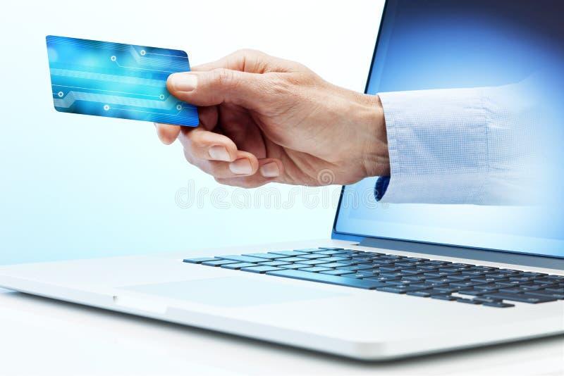 Paiements d'ordinateur de carte de crédit photos libres de droits