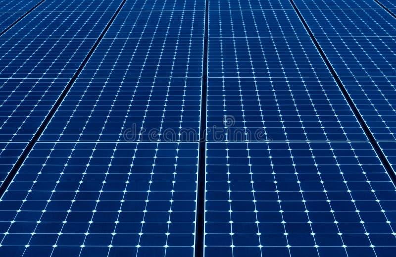 Painéis solares azuis foto de stock