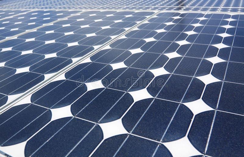 Painéis solares azuis imagens de stock
