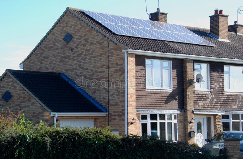 Painéis solares domésticos foto de stock royalty free
