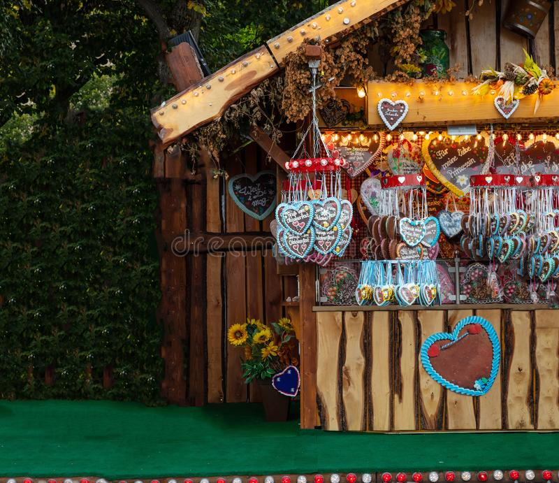 Pain d'épice traditionnel de forme de coeur, Oktoberfest, Bavière, Allemagne photo libre de droits