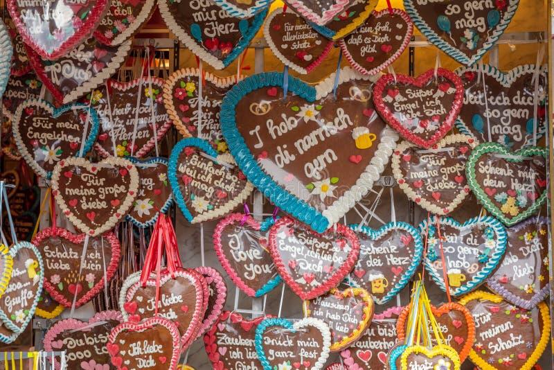 Pain d'épice traditionnel de forme de coeur, Oktoberfest, Bavière, Allemagne image libre de droits