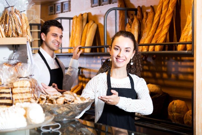 Pain de offre de personnel de boulangerie et pâtisserie différente photo stock
