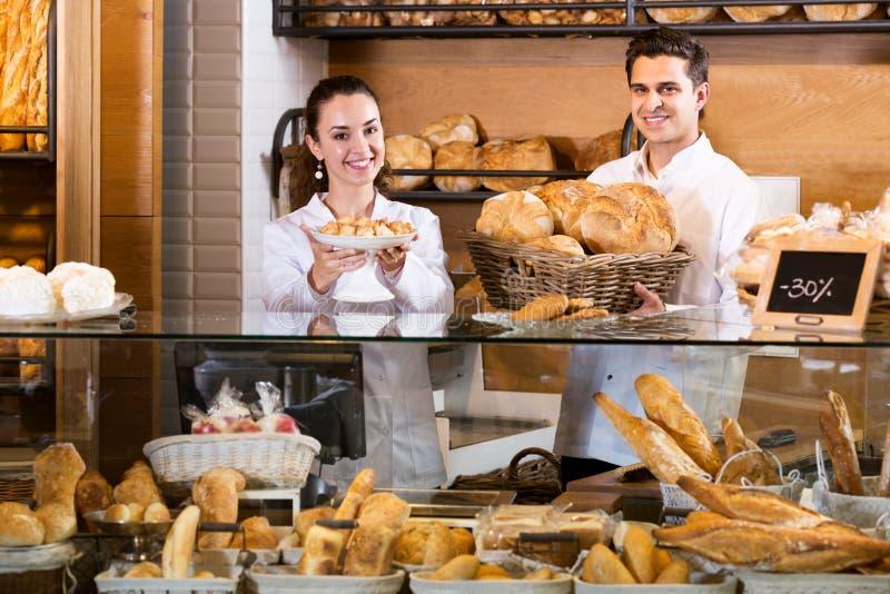 Pain de offre de personnel de boulangerie et pâtisserie différente image stock