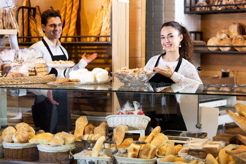 Pain de offre de personnel de boulangerie et pâtisserie différente images stock