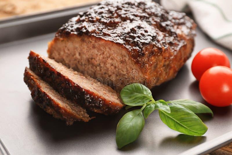 Pain de viande savoureux de dinde sur le plateau de cuisson photos libres de droits