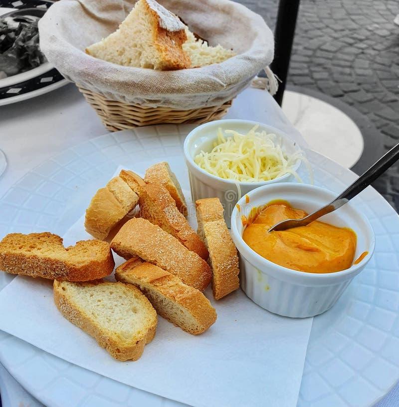 Pain et fromage, cuisine française, gastronomie française photos libres de droits