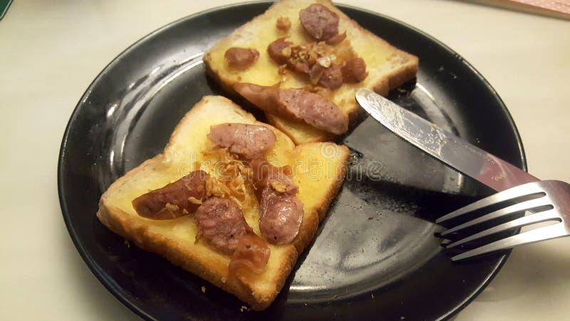 pain garic avec le saucage photographie stock libre de droits