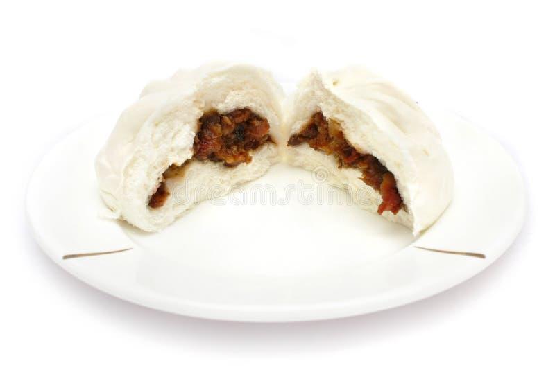 Pain grillé tout entier chinois de porc (SIU Baau de Cha) images stock