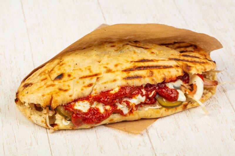 Pain pita grec délicieux images stock