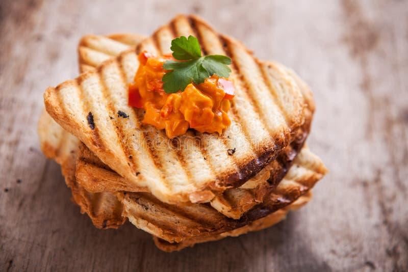 Pain végétarien frais de pain grillé pour le petit déjeuner images stock