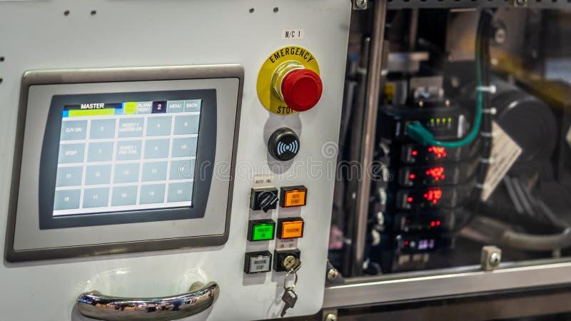 Painel de controle da monitoração com botões da emergência fotografia de stock