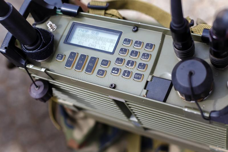 Painel de controle do close-up militar moderno da estação de rádio fotografia de stock