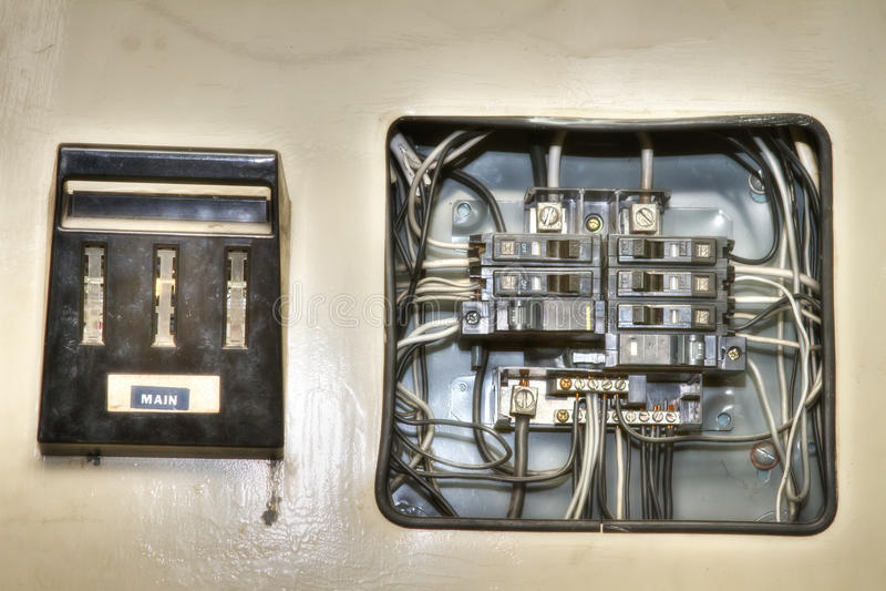 Painel de controle elétrico da casa velha foto de stock
