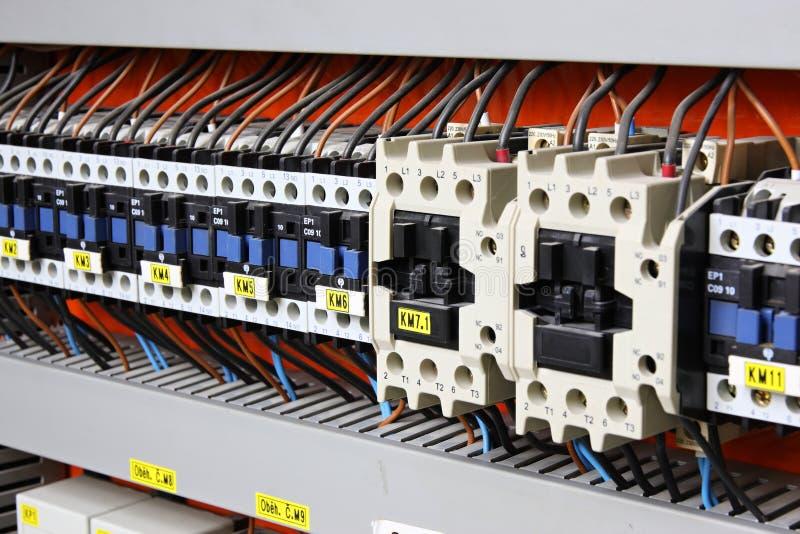 Download Painel elétrico imagem de stock. Imagem de ciclo, cabos - 12801013