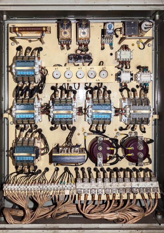 Painel elétrico velho do serviço foto de stock