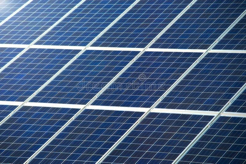 Painel fotovoltaico para a textura ou o teste padrão da geração das energias solares imagens de stock royalty free