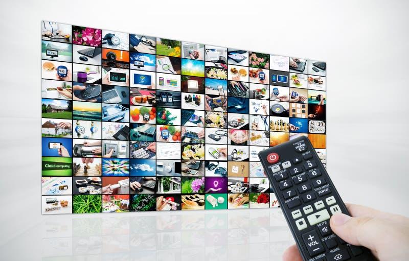 Painel grande do LCD com imagens do córrego da televisão fotografia de stock royalty free