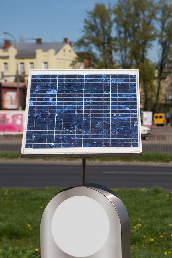 Painel solar, painel solar pequeno na competição urbana, imagens de stock royalty free