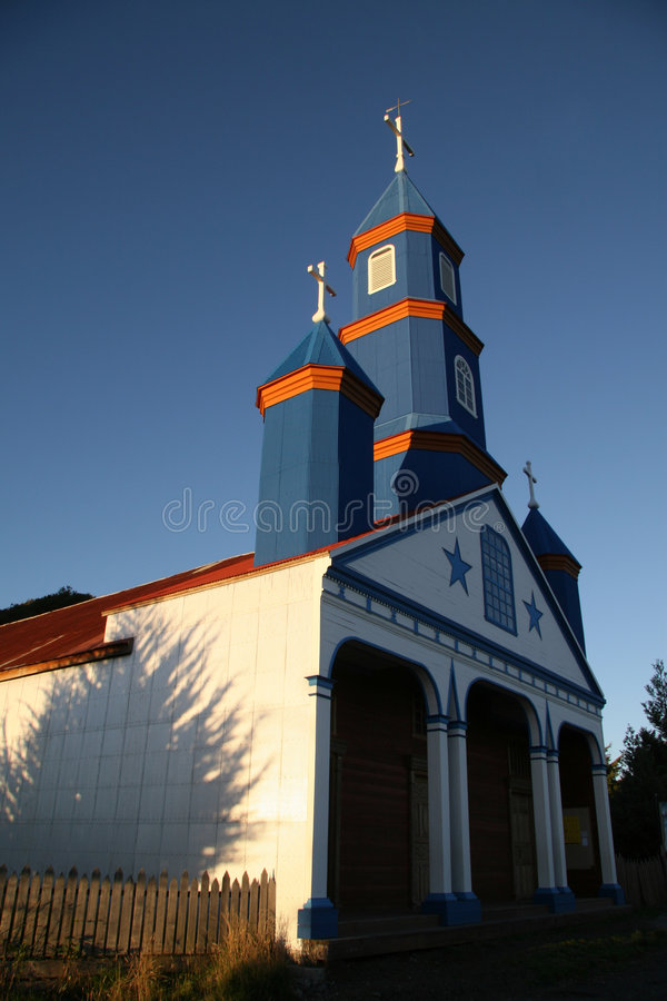 Free Painted Wooden Church In Chiloe Royalty Free Stock Image - 4581326