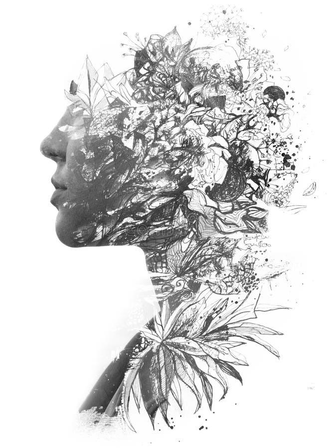 Paintografía Exposición doble de una joven belleza natural, con cara y cabello combinados con hojas dibujadas a mano y libre illustration