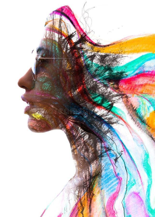 Paintography Exposición doble de un perfil atractivo co del ` s de la mujer joven imagen de archivo libre de regalías