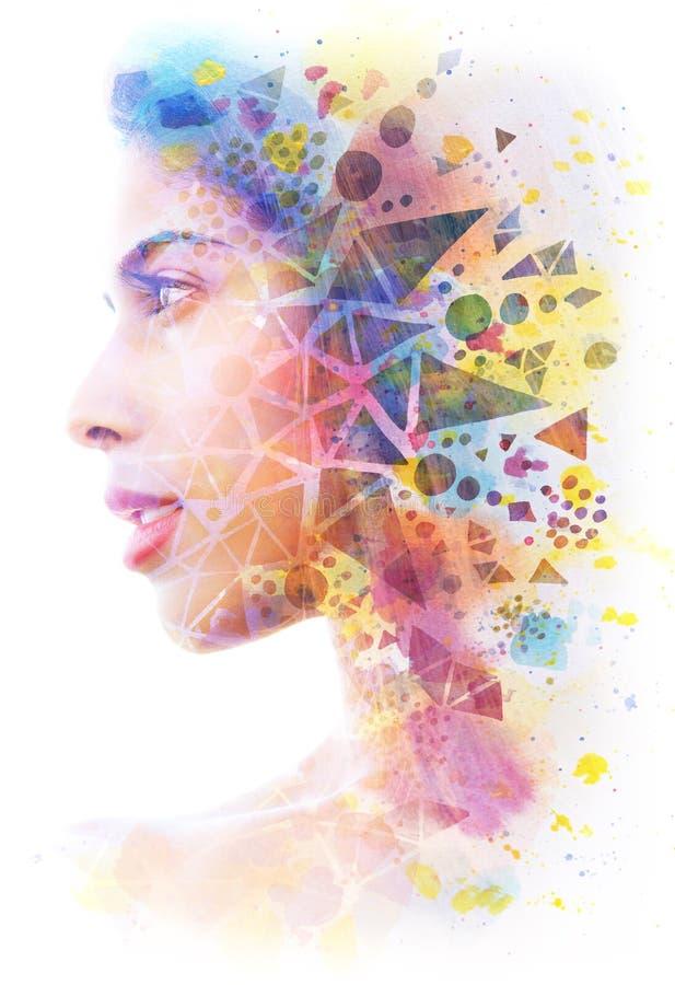 Paintography Het dubbele Blootstellingsportret van een jonge mooie vrouw combineerde met hand getrokken inkt schilderend het gecr royalty-vrije illustratie