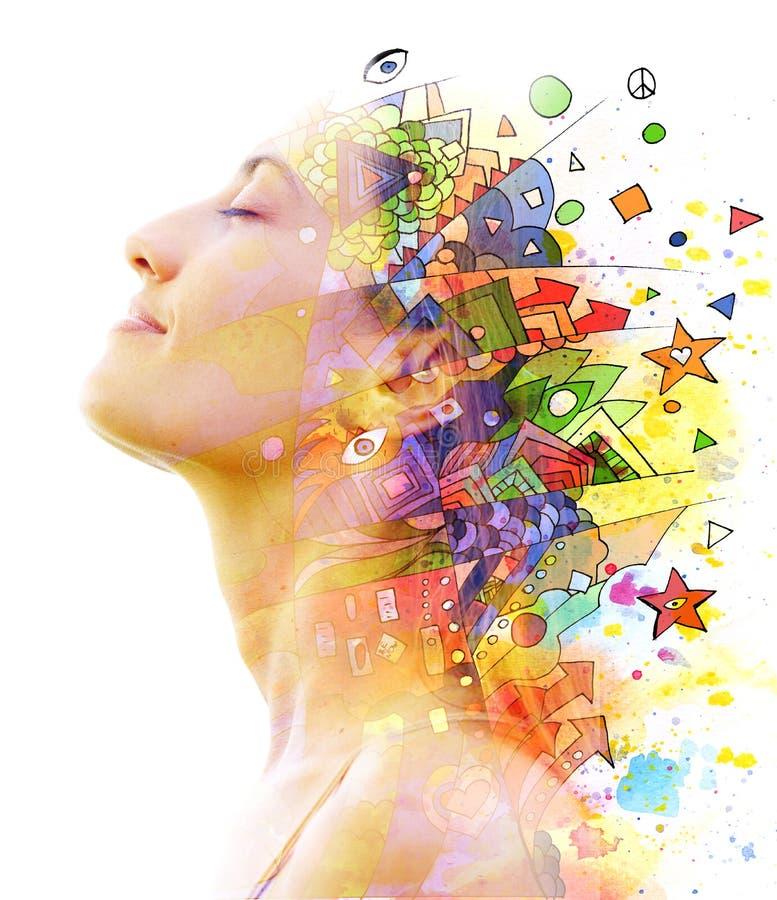 Paintography Het dubbele Blootstellingsportret van een jonge mooie vrouw combineerde met hand getrokken inkt schilderend het gecr stock illustratie