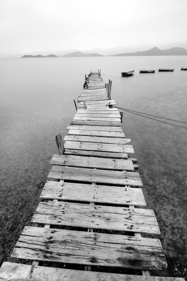 Pair et un bateau photos libres de droits